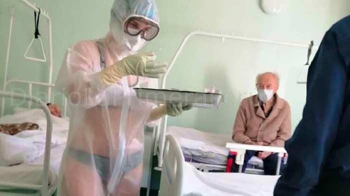 Expulsan A Una Enfermera Rusa Por Atender En Ropa Interior A Pacientes Con Covid-19